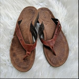 Chacos brown leather strap flip-flops